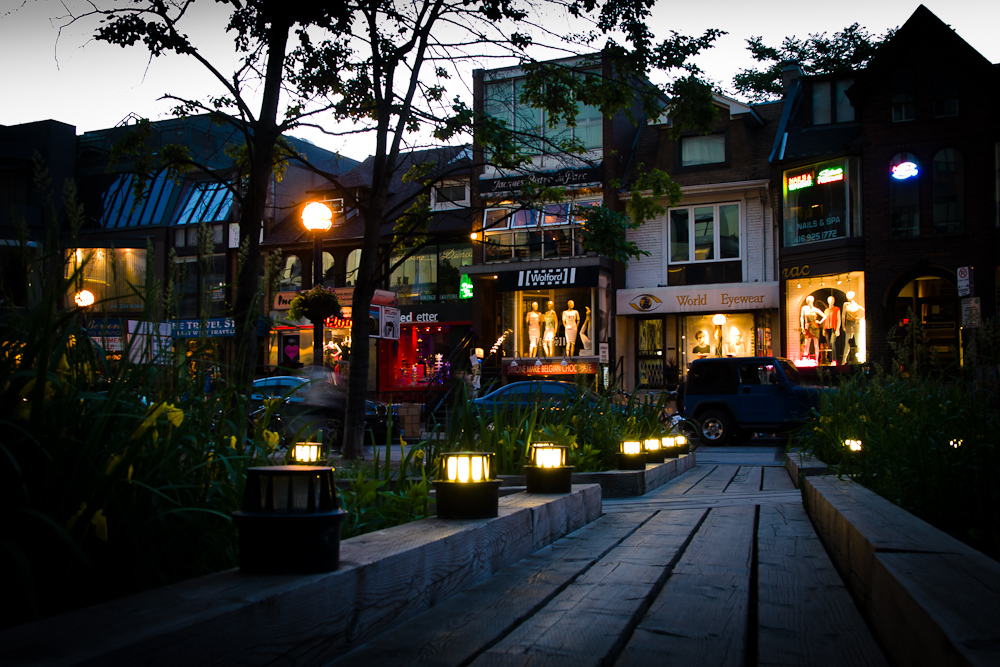 photoblog image Lights of Yorkville